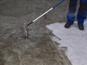 keldervloer waterdicht maken - aanbrengen met roller