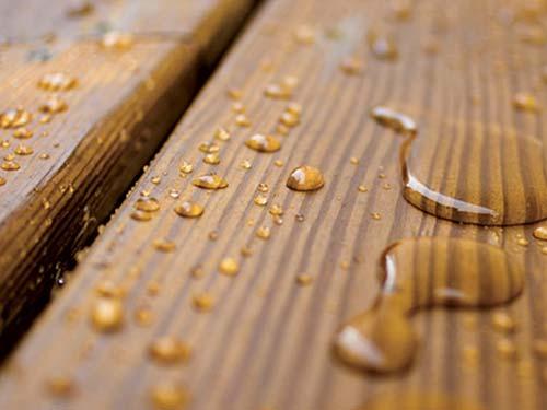 hout impregneren, hout behandelen waterdicht maken - behandeld, hout onbehandeld