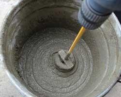 zelf waterdicht cement maken - mixen